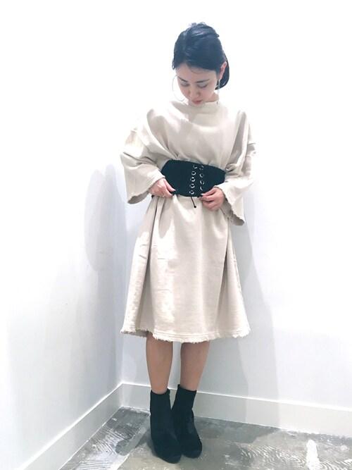 イダマイさんの「ダメージ裏毛オーバーサイズワンピース(GARAGE OF GOOD CLOTHING)」を使ったコーディネート