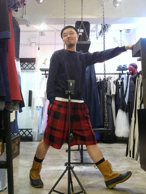 Paak Chan使用(Sacai)的時尚穿搭