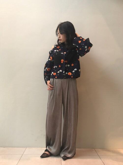 Risa Suzukiさんの「AKIRA NAKA Morgan ポットスリーブトップス(AKIRA NAKA)」を使ったコーディネート