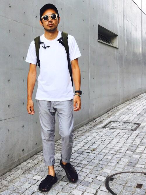 白Tシャツ×ロールアップパンツ×ユニーク 画像1