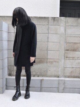 (Dr.Martens) using this mao looks