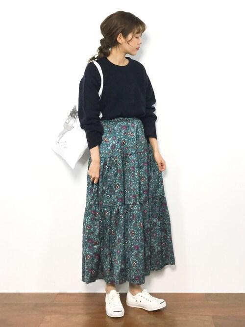 yukiさんの「サラサ柄ティアードロングスカート(w closet)」を使ったコーディネート