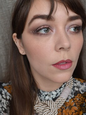 (H&M) using this meg looks