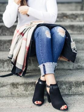 「rag & bone/JEAN Gunner Distressed Capri Jeans, Light Blue(Rag & Bone)」 using this Jennifer Nordine looks