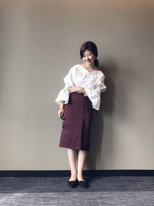 RANDA 本社akikoさんのシャツ/ブラウス「フレアスリーブボリュームトップス(RANDA ランダ)」を使ったコーディネート