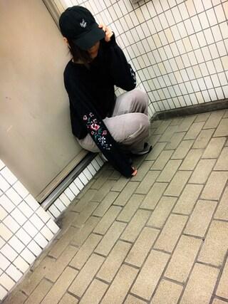仮面女子さんの「袖刺繍スリット入りプルオーバー(w closet|ダブルクローゼット)」を使ったコーディネート