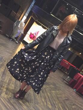 仮面女子さんの「花柄ロングテールスカート(archives|アルシーヴ)」を使ったコーディネート