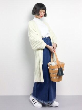 ZOZOTOWN|チョコビさんの「裾スリットハイネックプルオーバー(Kastane|カスタネ)」を使ったコーディネート