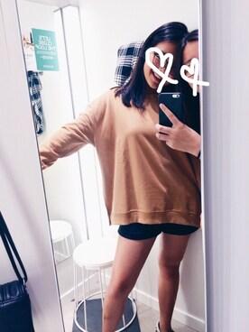 (H&M) using this CARA looks