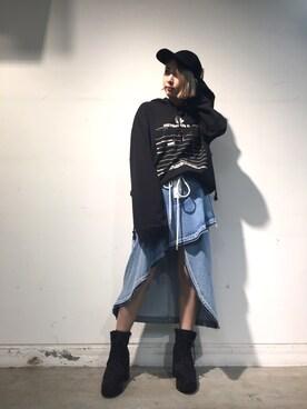 MIDWEST TOKYO WOMEN|MIYUさんの「FENTY PUMA by Rihanna グラフィックパーカー(FENTY PUMA by Rihanna)」を使ったコーディネート