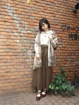 F i.n.t Daikanyama Fi.n.tdaikanyamaさんの「ローズ総刺繍ニットプルオーバー/F&A(F i.n.t フィント)」を使ったコーディネート