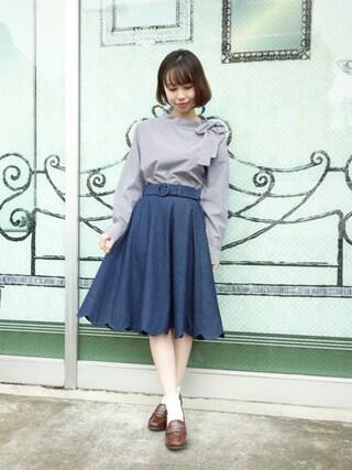 F i.n.t Daikanyama|Fi.n.tdaikanyamaさんの「裾スカラップデニムフレアースカート/F&A(F i.n.t|フィント)」を使ったコーディネート