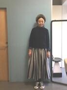 セーターは数年前のUNIQLO。 仕事柄あまりあったかいセーターは着れないので助かります。