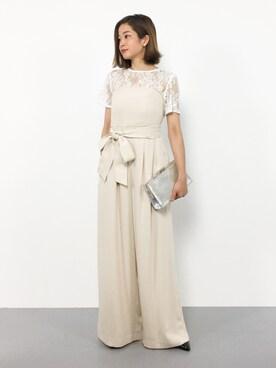 【季節別】女性におすすめのセミフォーマルな服装|スーツ