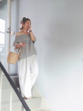 ootasam🗿さんの「ミニ裏毛ロゴプリントオフショルダーTシャツ(mysty woman|ミスティウーマン)」を使ったコーディネート