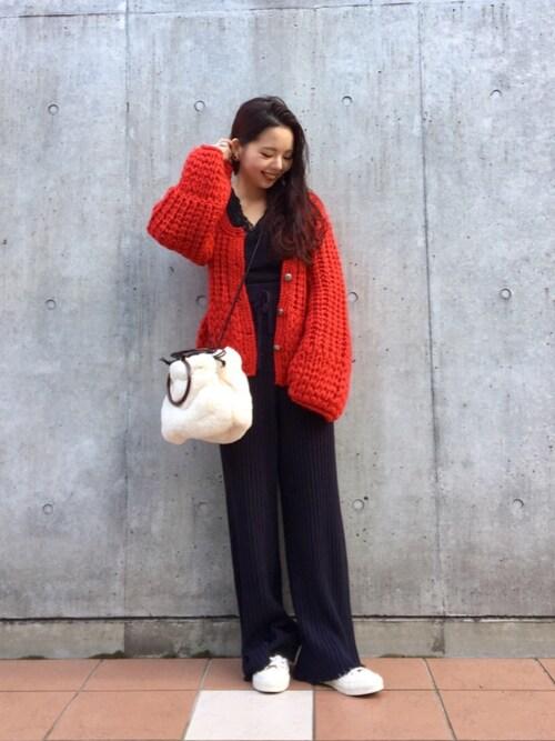 MihoUesugiさんの「手編みニットカ-ディガン(Kastane)」を使ったコーディネート