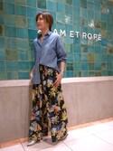 Emilyさんの「フラワーギャザーイージーパンツ(ADAM ET ROPE'|アダム エ ロペ)」を使ったコーディネート