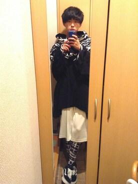 kaitoさんの「VANS ヴァンズ OLD SKOOL LITE + オールドスクール ライト+ VN0004O6IJU (SUE/CVS)BLACK/WHITE(VANS|バンズ)」を使ったコーディネート