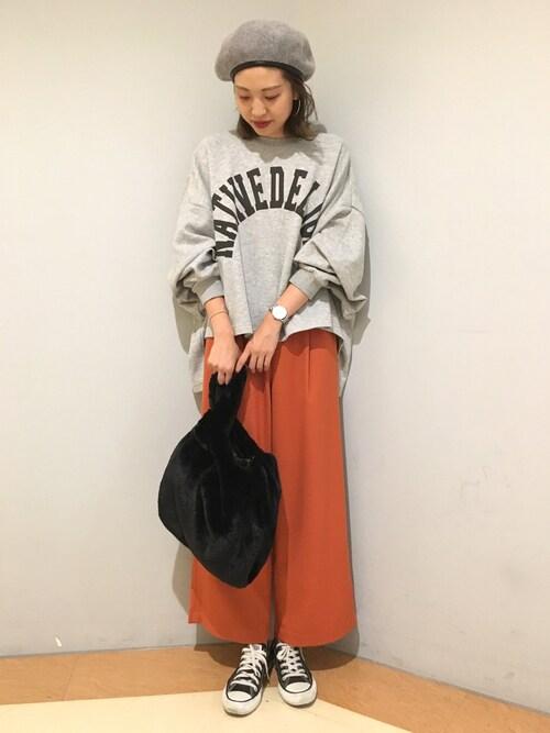 LOWRYS FARM  新宿ミロードLOWRYS FARM 新宿ミロード店さんのTシャツ/カットソー「スムースワイドロゴプルオーバー 769204(LOWRYS FARM|ローリーズ ファーム)」を使ったコーディネート