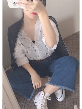 eriさんの「【mina 1月号掲載】裾フリンジデニムワイドパンツ(ANDJ|アンドジェイ)」を使ったコーディネート