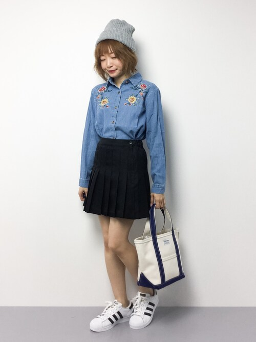いぴさんの「ヴィンテージ風トレンドフラワー刺繍コットン100%デニム長袖シャツ(select MOCA)」を使ったコーディネート
