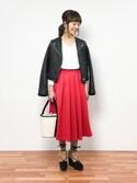 内山陽菜さんの「カラーフレアスカート ロングスカート(MODE ROBE|モードローブ)」を使ったコーディネート