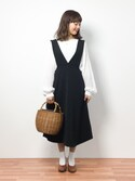 内山陽菜さんの「Vネックロングカットジャンスカート(r.p.s|アールピーエス)」を使ったコーディネート