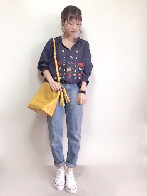 yumi.さんの「◆Vネックバスト刺繍ブラウス(FREE'S MART)」を使ったコーディネート