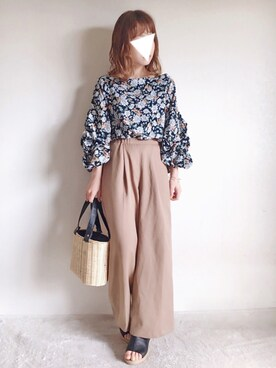 y u m i .さんの「[表情豊かなボリューム袖が今年らしい。 ]ボリュームスリーブ花柄ブラウストップス/シャツ・ブラウス[リエディ](Re:EDIT|リエディ)」を使ったコーディネート