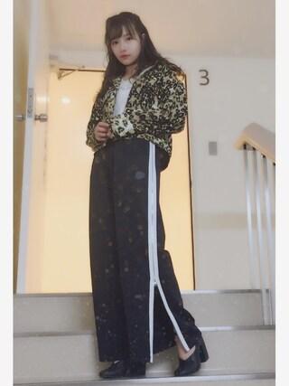 村瀬紗英さんの「オープンカラーショートジャケット(MURUA|ムルーア)」を使ったコーディネート