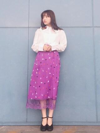 村瀬紗英さんの「ドット柄スカート(Lily Brown|リリー ブラウン)」を使ったコーディネート