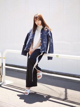 村瀬紗英さんの「サイドZIPジャージパンツ(MURUA|ムルーア)」を使ったコーディネート