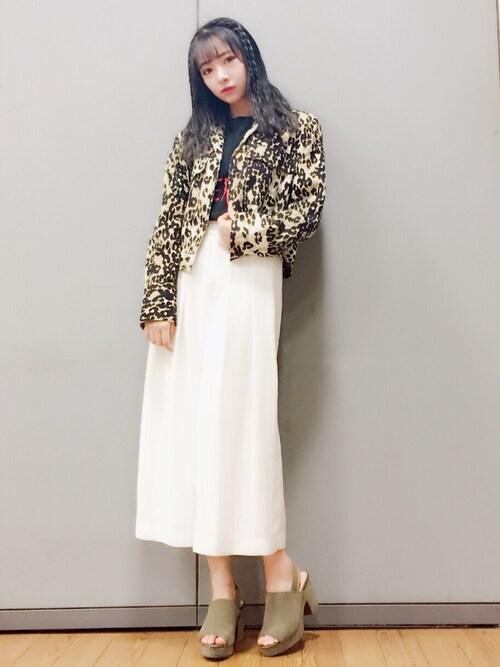 村瀬紗英さんの「オープンカラーショートジャケット(MURUA)」を使ったコーディネート