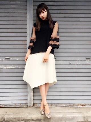 村瀬紗英さんの「ヘムラインスカート(MAJESTIC LEGON|マジェスティックレゴン)」を使ったコーディネート