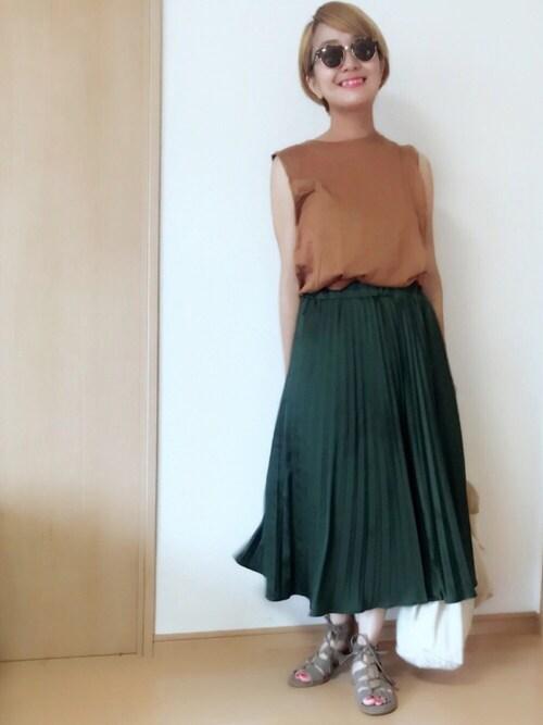 maikoroさんの「WEGO/サテンプリーツスカート(WEGO)」を使ったコーディネート
