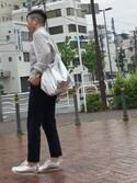 TNK44さんの「Metallic messenger bag(OKIRAKU|オキラク)」を使ったコーディネート