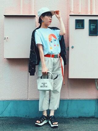 TAEさんの「イラストプリントショートスリーブTシャツ(KORMARCH|コマチ)」を使ったコーディネート