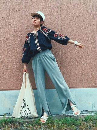 TAEさんの「フラワー刺繍7分袖スモックブラウス(slickmist|スリックミスト)」を使ったコーディネート
