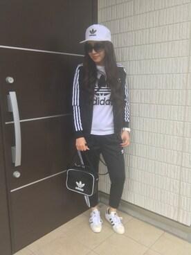E♡RIさんの(adidas originals|アディダスオリジナルス)を使ったコーディネート