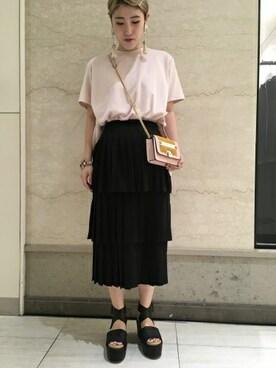 MIDWEST OSAKA LUCUA|高田 真衣さんの(TOGA PULLA|トーガ プルラ)を使ったコーディネート