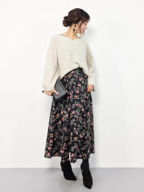 RINAさんの「ヴィンテージフラワー巻きスカート◆(SLOBE IENA)」を使ったコーディネート