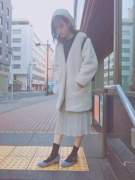 前田希美さんの「ファーライクオフショルニットプルオーバー(snidel|スナイデル)」を使ったコーディネート