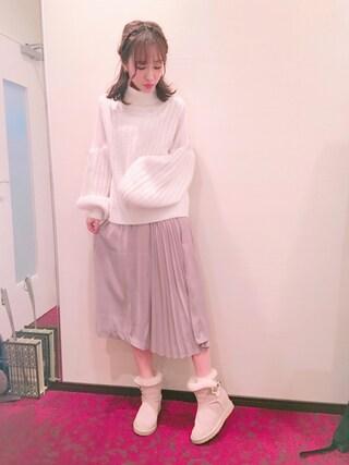 前田希美さんの「シースルーコンビタートルニット(MICOAMERI ミコアメリ)」を使ったコーディネート