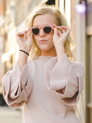 (J.CREW) using this Taylor Davis Reese looks