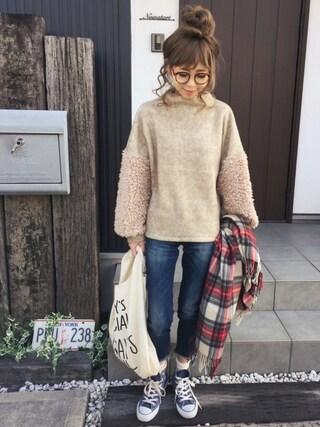 清水夏姫さんの「ファー切り替えボリュームニットソー(OZOC|オゾック)」を使ったコーディネート