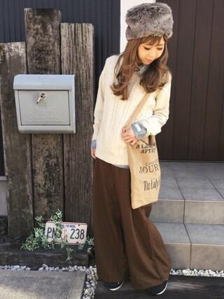 清水夏姫さんの「モヘヤストレッチケーブルクルーネックニット(coen|コーエン)」を使ったコーディネート