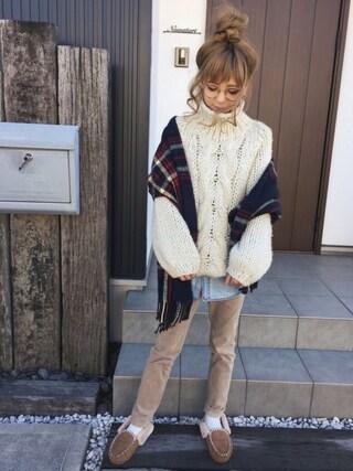 清水夏姫さんの「ストレッチコーデュロイスキニーパンツ(coen|コーエン)」を使ったコーディネート