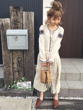 清水夏姫さんの「EMBROIDERY DRESS(MOUSSY|マウジー)」を使ったコーディネート