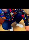 久米 翔太さんの「オリジナルス ウインドブレーカー [STREET GRAPHIC FULLZIP WINDBREAKER MULTI](adidas|アディダス)」を使ったコーディネート