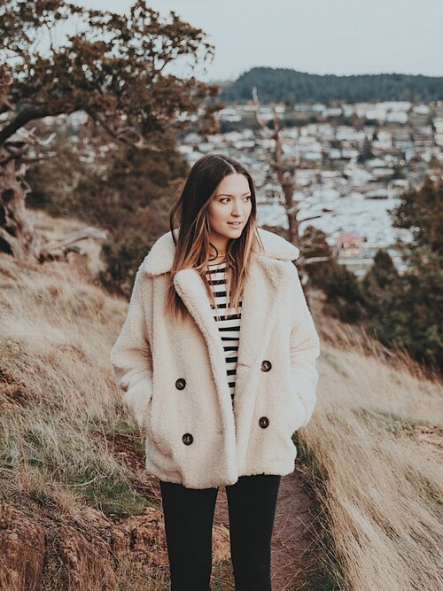 「Free People Fluffy Oversized Coat(Free People)」 using this Bethany Marie looks
